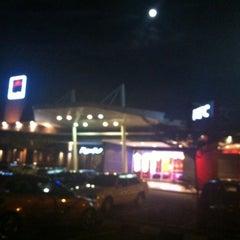 Photo taken at KFC & Pizza Hut Subang 2 by Hazim on 5/7/2012