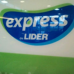 Photo taken at Express de Líder by Héctor I. on 8/19/2012