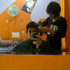 Photo taken at Yogii Salon by Tri A. on 10/25/2011