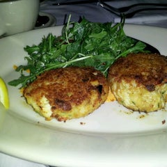 Photo taken at Maggiano's Little Italy by Vessie S. on 1/14/2012
