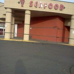 Photo taken at Apollo Supermarket by Cynthia p. on 2/8/2012