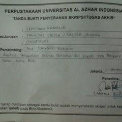 Photo taken at Perpustakaan Mandiri Universitas Al Azhar Indonesia by Septiyani K. on 9/11/2012
