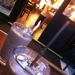 Photo taken at OldTown White Coffee by Jackie L. on 2/28/2012