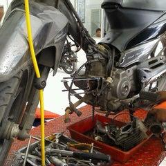 Photo taken at Suzuki Hero Sakti Motor Gemilang by sugimasihada on 7/20/2012