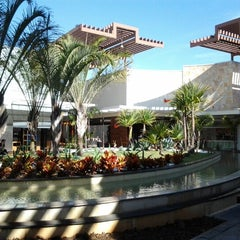 Photo taken at Parque D. Pedro Shopping by Fabiano T. on 7/30/2012