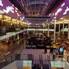 Photo taken at Westfield Stratford City by Khairul R. on 8/24/2012
