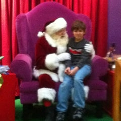 Photo taken at Hanes Mall by MzFit Toy 💋 on 12/18/2011