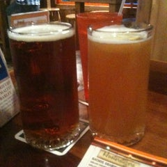 Photo taken at Hooters of Fremont by Rex S. on 9/24/2011