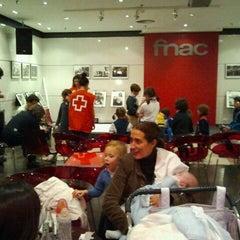 Photo taken at Fnac by Martin G. on 11/25/2011