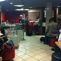 Photo taken at McDonald's by Esteban D. on 11/23/2011