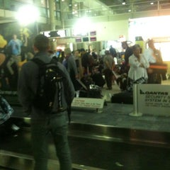 Photo taken at Qantas Baggage Carousel by Brisbane Corporate Cars on 10/2/2011