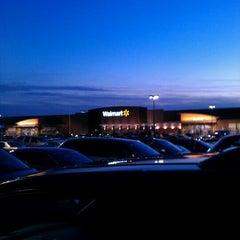 Photo taken at Walmart Supercenter by Jezo on 2/1/2012