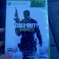 Photo taken at Gamestop by Joe H. on 11/8/2011
