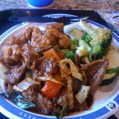 Photo taken at Panda Express by Valentino on 10/7/2011