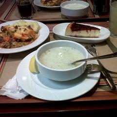 Photo taken at Greenwich Restaurant Gayrettepe by Tuğba G. on 1/25/2012