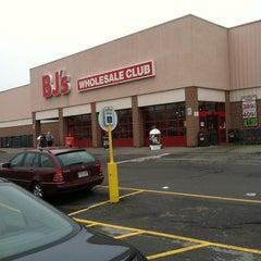 Photo taken at BJ's Wholesale Club by Jennifer B. on 3/25/2012