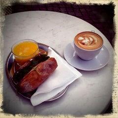 Photo taken at Noir Kaffekultur by kristian on 8/31/2011