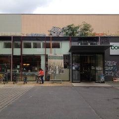 Photo taken at boesner GmbH - Berlin-Prenzlauer Berg by Sijin L. on 8/31/2012