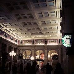 Photo taken at Starbucks by Takunori A. on 11/13/2011