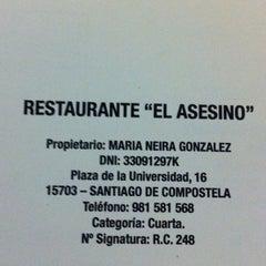 Photo taken at Restaurante Asesino by Alberto G. on 6/18/2011