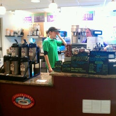 Photo taken at Beanz by Nelson L. on 10/29/2011