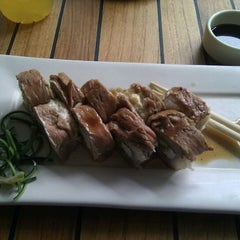 Photo taken at Sushi Roll by Itaicita on 11/18/2011