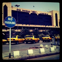 Photo taken at Jinnah International Airport (KHI) جناح بین الاقوامی ہوائی اڈہ by Saqib J. on 4/6/2012