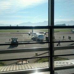 Photo taken at Aeroporto de Joinville / Lauro Carneiro de Loyola (JOI) by Katia Regina D. on 7/21/2012