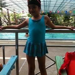 Photo taken at สระว่ายน้ำ ม.สวนดุสิต by อุ๋ยใหญ่ ส. on 3/19/2012