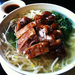 Photo taken at Lili's Noodle Shop & Grill by Ming P. on 7/10/2012