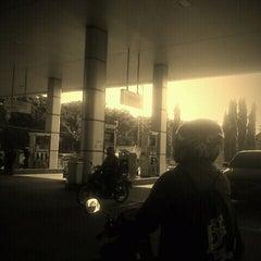 Photo taken at SPBU Pertamina 34.13414 by Mahdesi I. on 1/4/2012