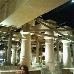 Photo taken at MORE The Buffet at Luxor by Pepe A. on 6/27/2012