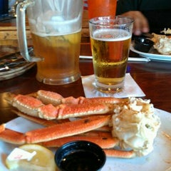 Photo taken at Hooters by edgar g. on 5/15/2012