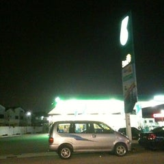 Photo taken at Petronas by Tan J. on 8/9/2011