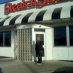 Photo taken at Steak 'n Shake by Barbara Y. on 11/30/2011