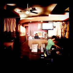 Photo taken at Street Side Thai Kitchen by ต๊ะ s. on 9/18/2011
