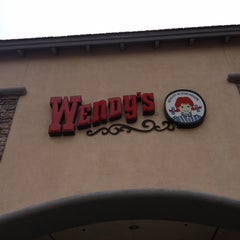 Photo taken at Wendy's by Renata T. on 3/16/2012