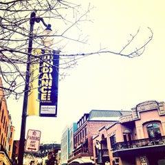 Photo taken at Easy Street Brasserie by Raffi A. on 1/27/2012