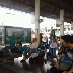 Photo taken at สถานีขนส่งผู้โดยสารจังหวัดลําปาง (Lampang Bus Terminal) by Nat B. on 9/2/2011