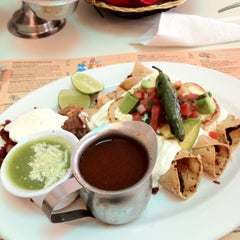 Photo taken at Panama Restaurant y Pasteleria by Vick on 8/9/2012