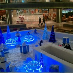 Photo taken at Galleria by 🔱M. A. B. on 12/25/2011
