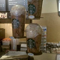 Photo taken at Starbucks by PIolin D. on 6/9/2012