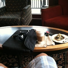 Photo taken at Starbucks by steven y. on 9/5/2012