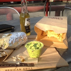 Photo taken at Chipotle Mexican Grill by Val on 6/8/2012