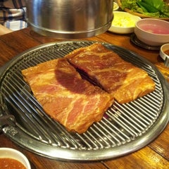 Photo taken at 포도식당 (ポド食堂) by Percy Taegyun K. on 7/20/2012