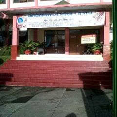 Photo taken at SMA Negeri 1 Batu by Gilang A. on 2/29/2012
