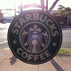 Photo taken at Starbucks by Rayanne T. on 5/6/2012