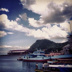 Photo taken at Embarcadero de Legazpi by Pao d. on 8/27/2012
