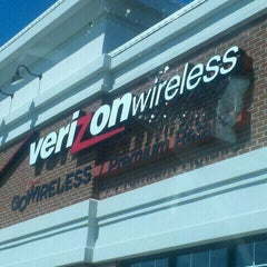 Photo taken at Verizon Wireless (Go Wireless Premium Retailer) by Kareem N. on 8/22/2011