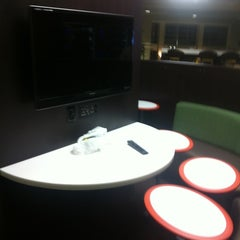 Photo taken at The Sky Pad Lounge (MSC) by Mymy C. on 9/26/2011